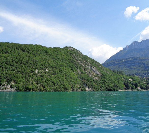 Lake Annecy Ultra run - Main image by Inga Tomane under Wiki Commons licence.